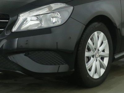 gebraucht Mercedes A180 BlueEFFICIENCY Limousine Style/Navi/SHZ