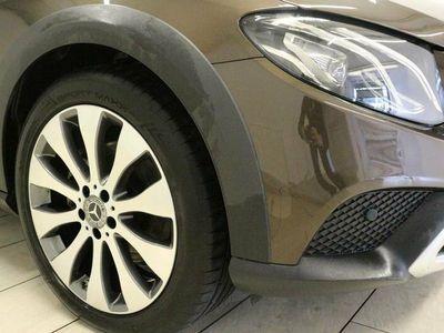 gebraucht Mercedes E220 E-Klasse4Matic T All-Trrain 9G-TRONIC Avantgarde
