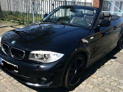 gebraucht BMW 120 Cabriolet i Aut. schwarz