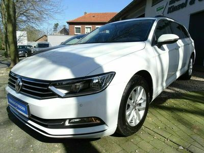 gebraucht VW Passat Variant Comfortline BMT Navi AHK als Kombi in Uedem