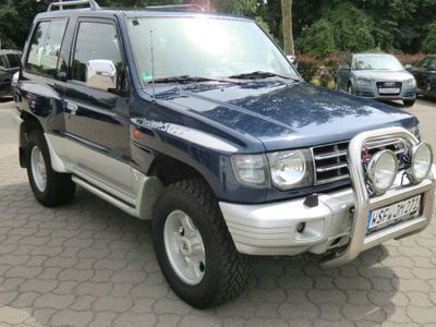 verkauft mitsubishi pajero trophy gebraucht 1998 km in dessau. Black Bedroom Furniture Sets. Home Design Ideas