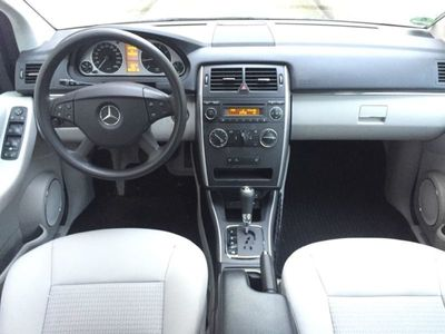 gebraucht Mercedes B200 Autotronic Xenon*2 Hand
