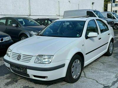 gebraucht VW Bora 1.6 16V *2.Hand-Schiebedach-Sitzheizung*
