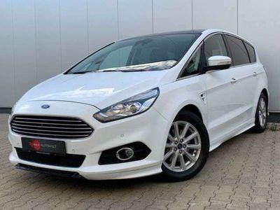 gebraucht Ford SportKa S-Max Titanium/NAVI/LEDER/PANO/2X MERA/