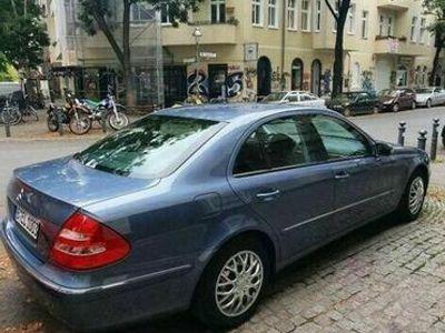 gebraucht Mercedes E240 (auto ist bis morgen 12 reserviert)