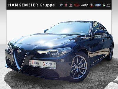 gebraucht Alfa Romeo Giulia 2.0 TURBO 16V AT8 Super-el.Glasschiebedach-BiXenon