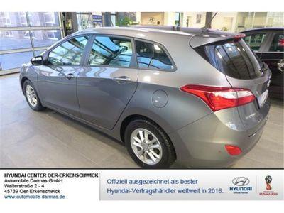 gebraucht Hyundai i30 cw 1.6 CRDi Trend Klima 16 Alu LED Tempomat