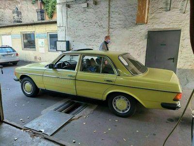 gebraucht Mercedes 240 Top gepflegter Daimler-BenzD, BJ 1978