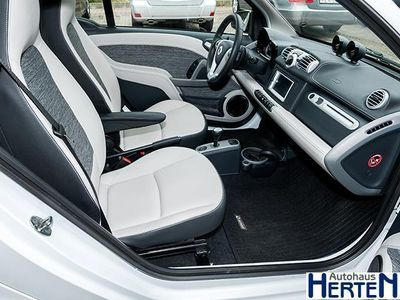 gebraucht Smart ForTwo Coupé 62 kW Pulse+Navi+Softouch+Autom.