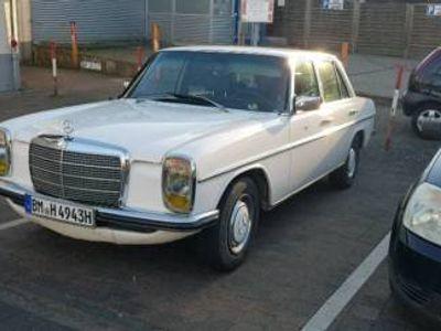 gebraucht Mercedes W115 / 8 240 d mit neum tüv und H kenzeichen un