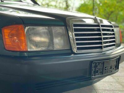gebraucht Mercedes 190 D 2.5 Avantgarde Verde Automatik Nr. 6/750