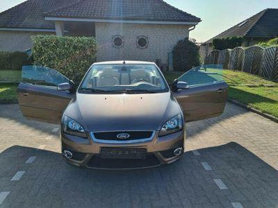 gebraucht Ford Focus Cabriolet Coupe- 2.0 16V LPG Titanium