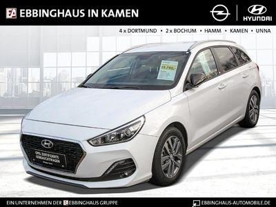 gebraucht Hyundai i30 YES! 1.4 EU6d-T Navi Rückfahrkam. Fernlichtass. LED-Tagfahrlicht Multif.Lenkrad
