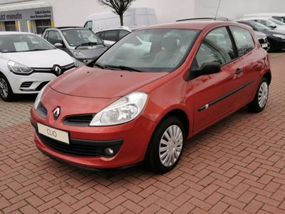 gebraucht Renault Clio III Expression 1.2 16V 75 PS