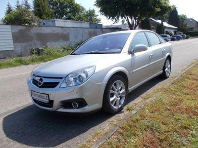 gebraucht Opel Vectra 2.2 Edition XENON/KLIMA/SITZH./TEMP./6-GANG/PDC