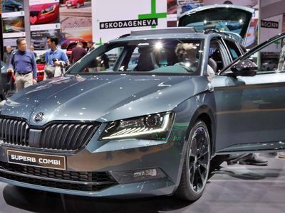 gebraucht Skoda Superb Combi Ambition KLIMA/LED/PDC 2.0 TDI SCR 140 kW (190 PS), DSG [7]