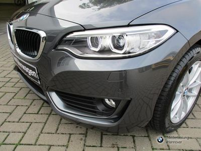 gebraucht BMW 220 d Cabrio Navi Advantage Lederlenkrad behei.