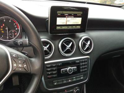 gebraucht Mercedes A180 7G-DCT 2Style