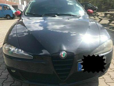 gebraucht Alfa Romeo 147 1.9 JTD 16V M-Jet DPF Distinctive