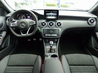 gebraucht Mercedes A180 d-AMG-Night Paket-Licht & Sicht Paket-Navi