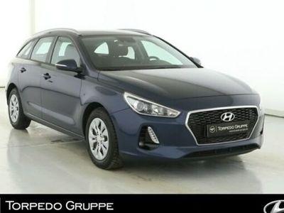 gebraucht Hyundai i30 NEW KOMBI 1.0 TURBO FAMILY Einparkhilfe+SHZ+
