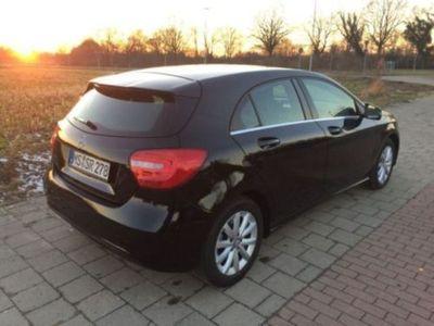 gebraucht Mercedes A180 CDI Style Aut. Navi Temp. Xen. Sitzhzg.