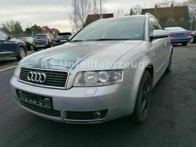 gebraucht Audi A4 Avant 3.0 quattro als Kombi in Altendiez