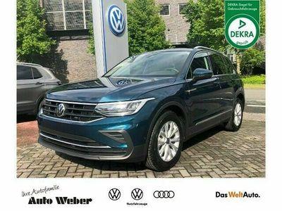 gebraucht VW Tiguan 1.5TSI DSG Life ASS-Paket Navi Keyless Di