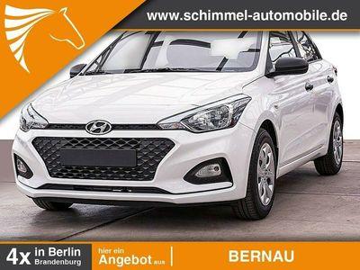 gebraucht Hyundai i20 FL 1.2 Benzin M/T 84 PS Pure Fenster el.