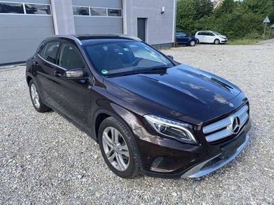 gebraucht Mercedes GLA220 CDI Aut. *lückenlos Scheckheft* 4MATIC 2.1 Dies...