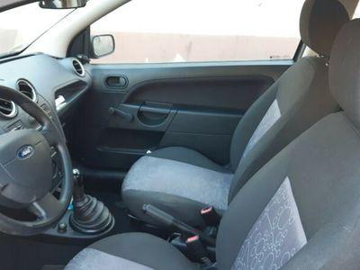 gebraucht Ford Fiesta 1,3 51 kW Ambiente