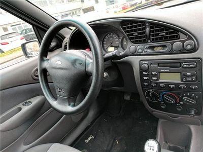 gebraucht Ford Fiesta Klima,( 1 Hand )Kat D4.