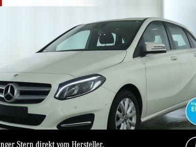käytetty Mercedes B180 Style LED Keyl-GO Navi Laderaump PTS Sitzh