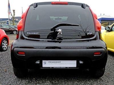 gebraucht Peugeot 107 Active 1.0 68 2-Tronic 3T Automatik elFh ZV