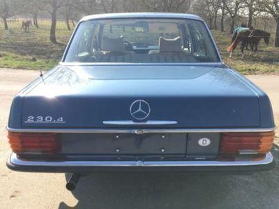 gebraucht Mercedes 200/8 230.4 W115Strich 8