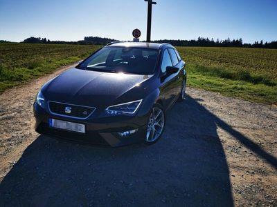 gebraucht Seat Leon ST 2.0 TDI Start&Stop DSG FR als Kombi in kißlegg