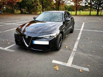 gebraucht Alfa Romeo Giulia 2.0 Turbo 16V AT8-Q4 Veloce als Limousine in Falkenberg