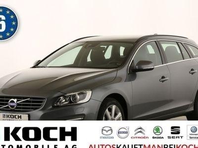 gebraucht Volvo V60 D3 Momentum Navi Xenon Kamera PDC vo + hi