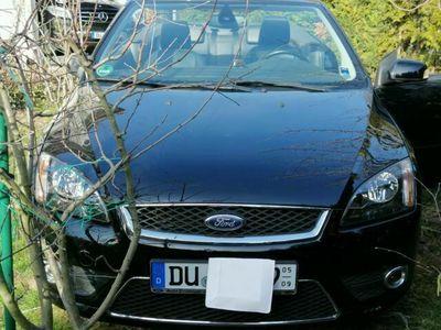 gebraucht Ford Focus Cabriolet Coupe- 2.0 16V Aut. Titanium