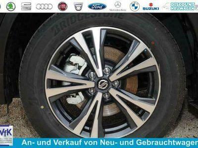 gebraucht Nissan X-Trail 1.3 DIG-T DCT 116kW MY21 Tekna - Pearl White 7-Sitzer