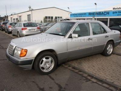 gebraucht Mercedes 230 E/ 1 Hand