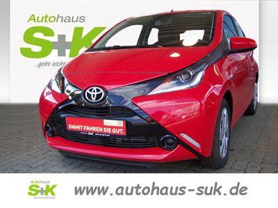 second-hand Toyota Aygo x-play *Klima *Tempomat * Allwetterreifen