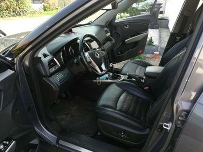 gebraucht Ssangyong Tivoli e-XDi 160 4WD Sapphire