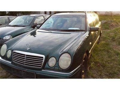 gebraucht Mercedes E240 Elegance XENON NAVI AHK E-SITZE für Bastler