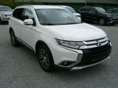 gebraucht Mitsubishi Outlander 4WD bei Gebrachtwagen.expert