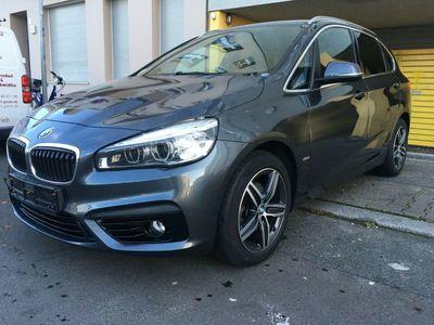 gebraucht BMW 216 Baureihe 2 Active Tourer d Sport Line/Xenon als Limousine in Berlin