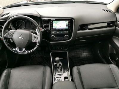 gebraucht Mitsubishi Outlander TOP 2,2l 4WD Aut. * safety package *