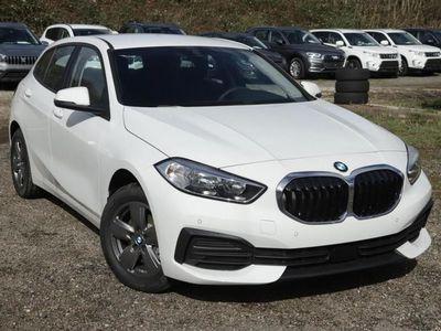 gebraucht BMW 118 1er i aut Con+Nav LiveC SpiegelP KomfortZ MemoryS