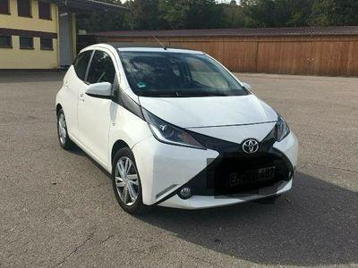 gebraucht Toyota Aygo X-wave 5 Türer mit Faltdach und Heckkamera