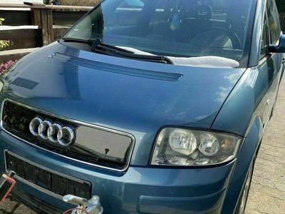 gebraucht Audi A2 1.4 Benziner mit 75Ps als Limousine in Gilching